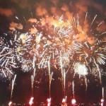 諏訪湖の花火大会は、見ごたえありますョ!
